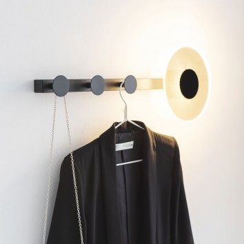 Aplique de pared-percha negro con luz LED