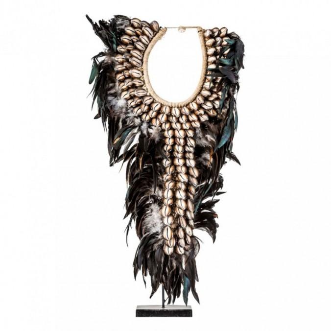 Figura collar étnico 70cm caracolas y plumas